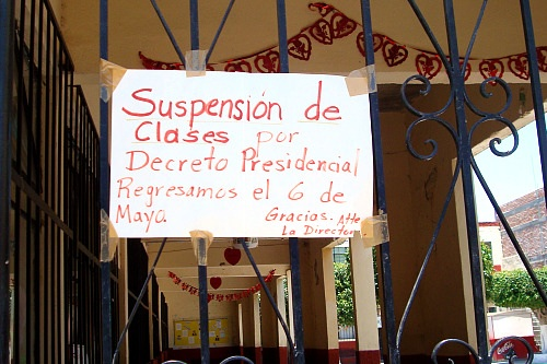 All classes have been suspended by a Presidential directive. We will return the 6th of May. Thanks, the Directora.