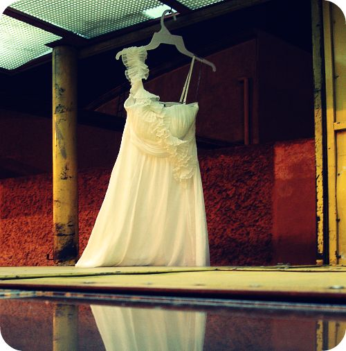 Photographing a dress at Querétaro bus station